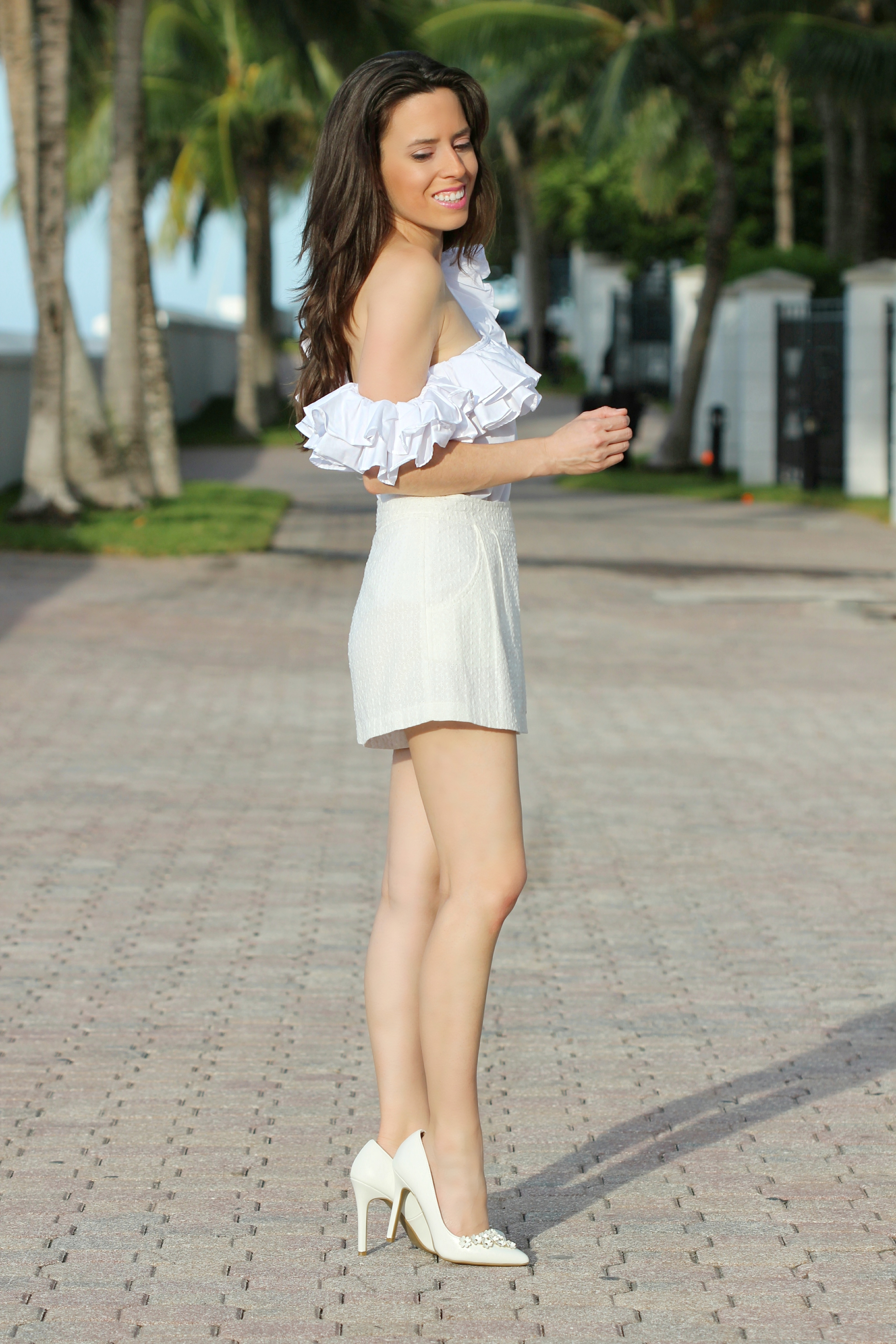 ruffled shoulder top miami blogger