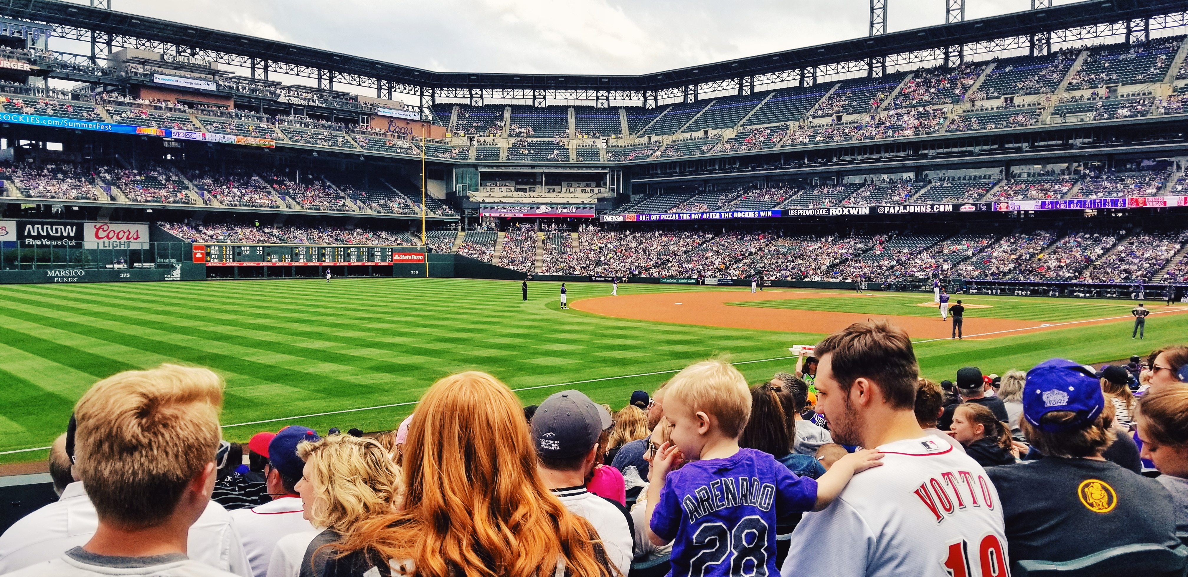 coors-field-basebal-game